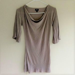 Mossino 3/4 Flare Sleeve Tunic